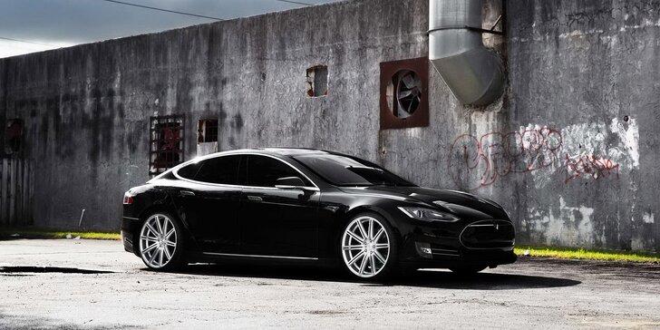 Zážitková jazda športovým automobilom Nissan či Tesla