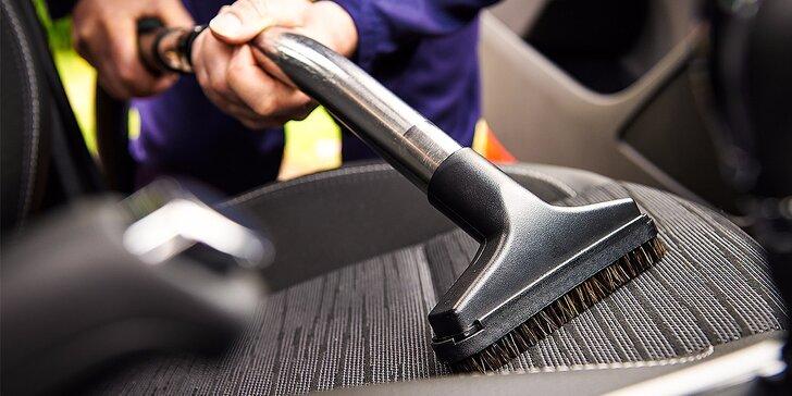 Kompletné čistenie interiéru s tepovaním sedadiel vozidla parou a dezinfekciou klimatizácie