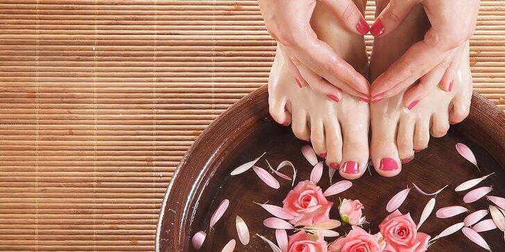Zdravé krásne nohy s mokrou pedikúrou. Na výber aj výhodná permanentka!