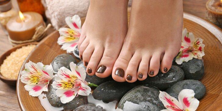 Balneoterapia alebo mokrá pedikúra s kvalitnou kozmetikou
