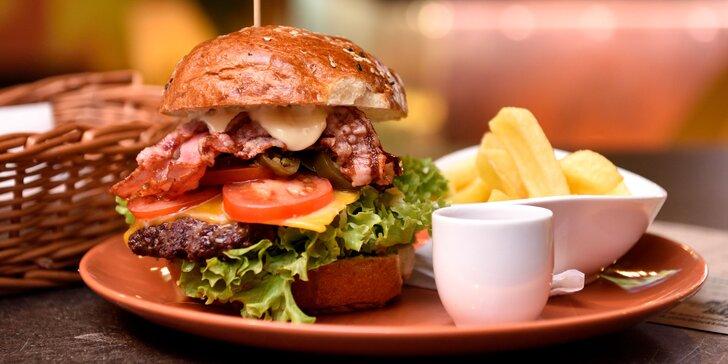 Black King Burger, El Classico Burger alebo Green Burger s hranolčekmi