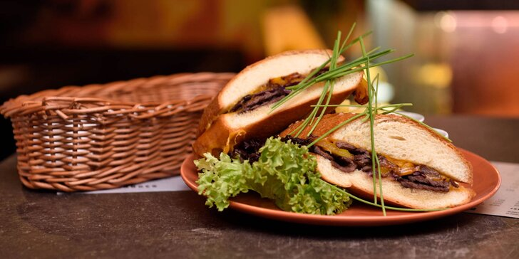 3 druhy sandwichov v Black King bare v centre mesta!