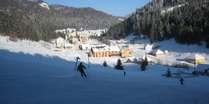 Rajská zima v Slovenskom raji priamo pri lyžiarskom vleku