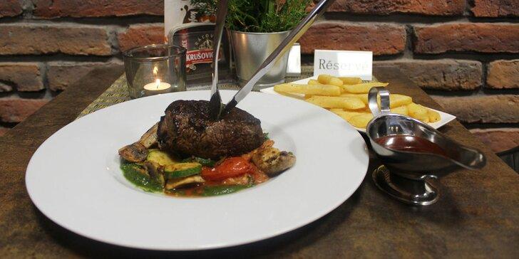Rump steak s prílohou a omáčkou podľa výberu