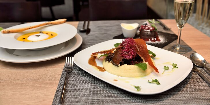 Trojchodová romantika na tanieri v reštaurácií MOET