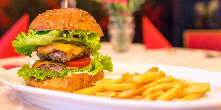 BEEF burger či double BEEF XXL burger s hranolčekmi