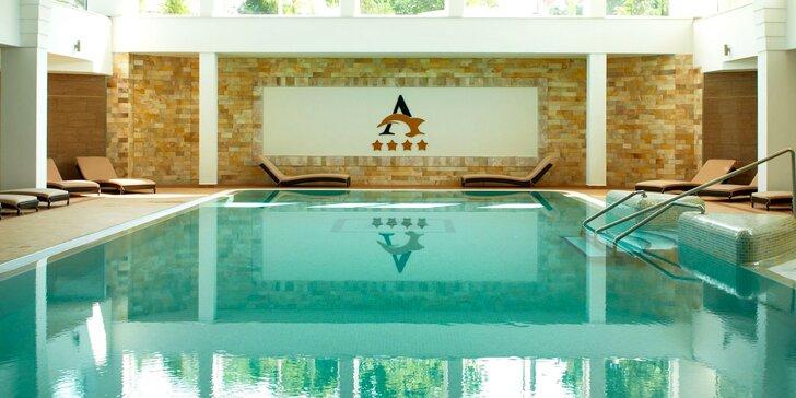 Wellness pobyt s neobmedzeným vstupom do bazénového komplexu a polpenziou pri HungaroSpa