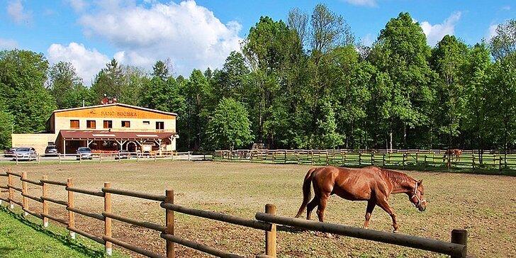Pobyt na ranči pre dvoch či pre rodinu: polpenzia, jazda na koni i lyžovanie