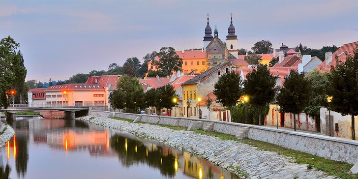 Relax aj poznávanie v Třebíči: polpenzia a prípadné vstupy do pamiatok a do aquaparku