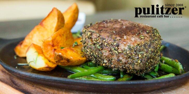 200g Argentínsky grilovaný hovädzí steak s prílohou a domácou slepačou polievkou v Pulitzeri