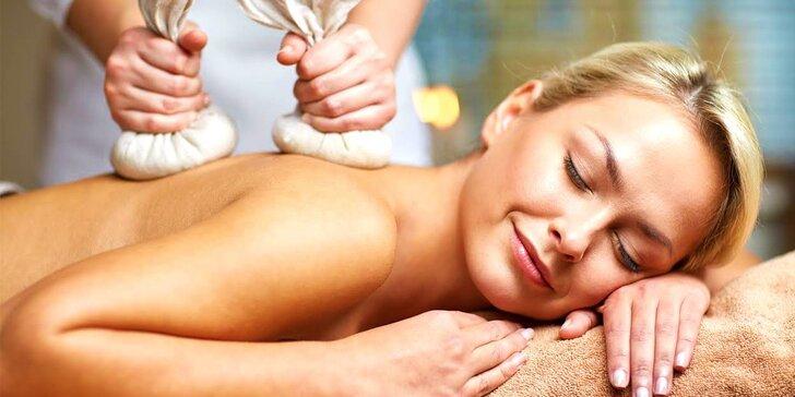 Celotelová thajská masáž, aromaterapeutická či olejová masáž