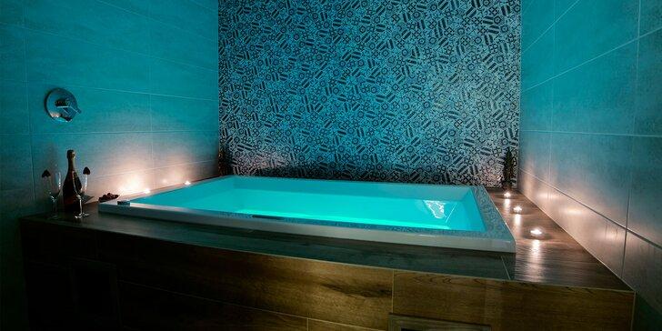 Vstup do sáun alebo privátny vírivý kúpeľ v novootvorenom SOHO1