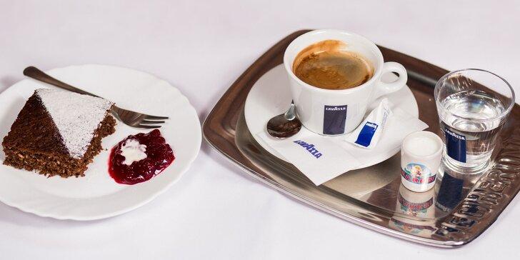Poctivé espresso a chutný koláčik v Jam clube!
