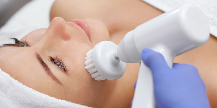 Hĺbkové ošetrenie pleti alebo ošetrenie pleti s masážou
