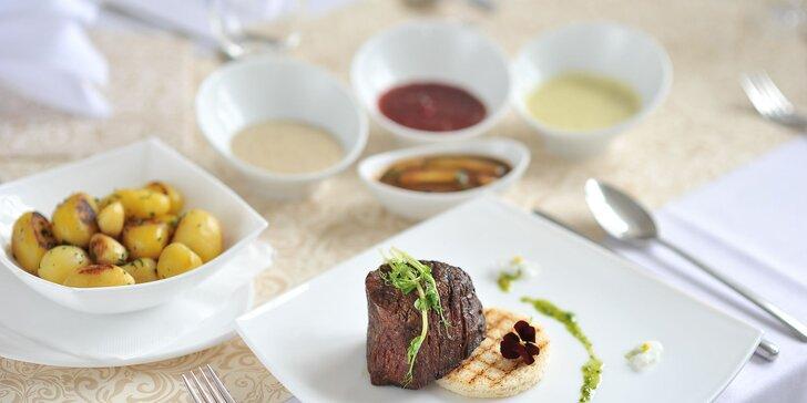 Steaky z hovädzej sviečkovice v hoteli Agátka s dezertom