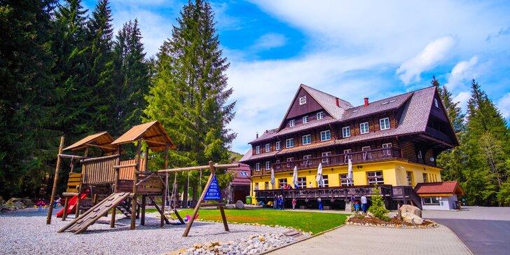 Relax v Hoteli Mikulášska Chata*** v Jasnej s wellness a výhľadom na Vrbické pleso