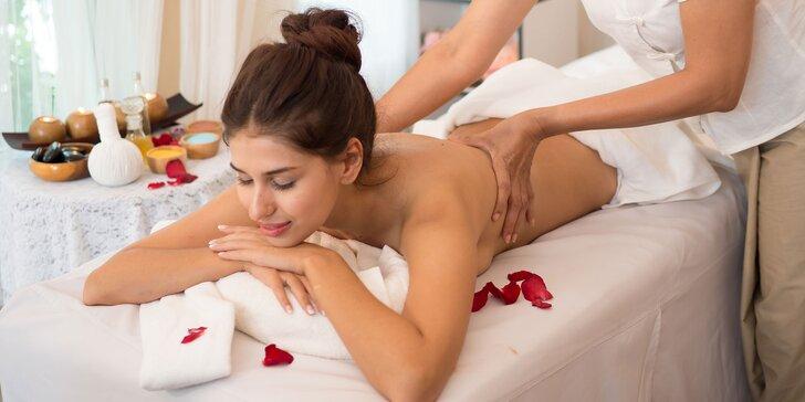 Reflexná masáž chrbta či klasická celotelová masáž