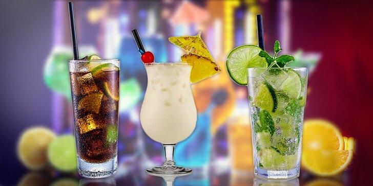 Miešané alko alebo nealko drinky počas celého leta