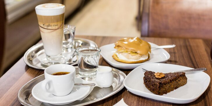 Káva, čaj alebo džús s koláčikom podľa vlastného výberu