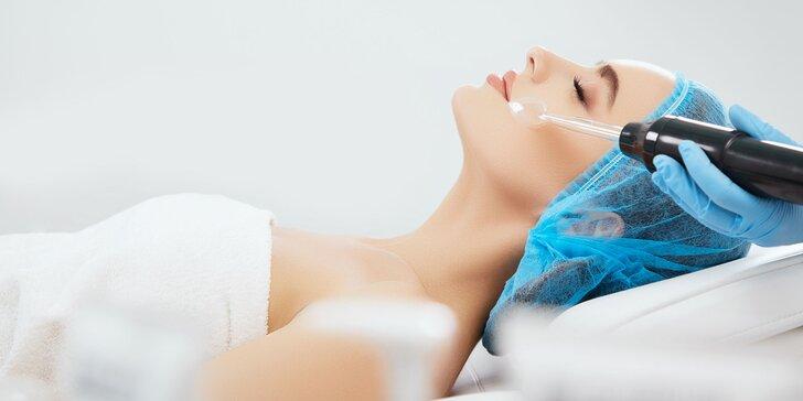 Komplexné ošetrenie pleti ultrazvukom a ozonizérom či svetelná terapia