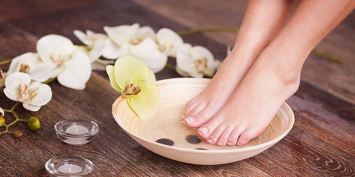 Kombinácia medicinálnej a mokrej pedikúry či wellness pedikúra