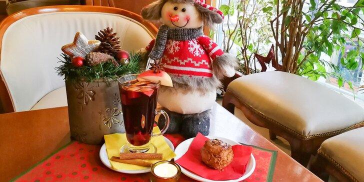 Espresso Musetti s croassantom alebo vianočný punč s pagáčikom