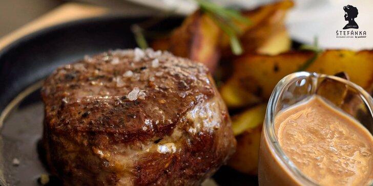 Exkluzívny hovädzí steak Štefánia a domáca slepačia polievka