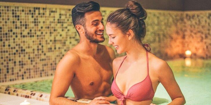 Dvojhodinový privátny wellness balíček: masáž, vírivka a sauna