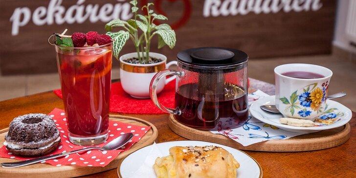 Sypaný čaj s mini koláčikom alebo horúca limonáda so slaným snackom