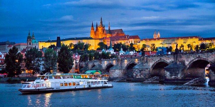 Plavba loďou historickou Prahou aj s možnosťou výkladu a stravy