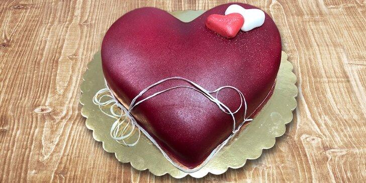 Torty v tvare srdca alebo tradičné zákusky na donášku
