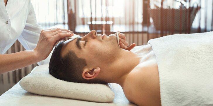 Účinné anti-akné alebo hĺbkové ošetrenie pleti s peelingom pre pánov