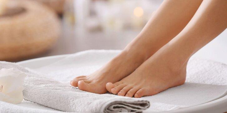 Dokonalá starostlivosť o vaše nohy s kombinovanou či wellness pedikúrou