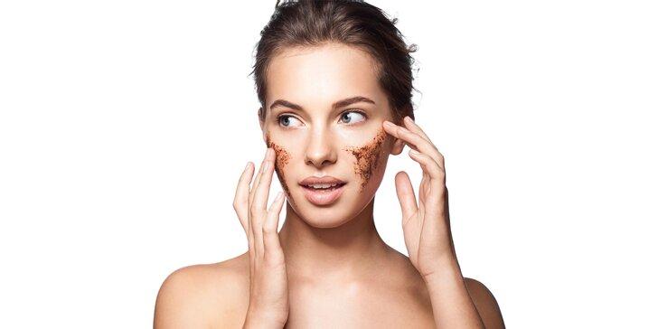 Kávové ošetrenie pleti či masáž tváre v salóne Beauty