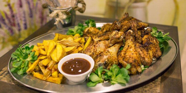 Chrumkavý Chicken box pre 2 alebo 4 osoby s hranolčekmi a BBQ omáčkou