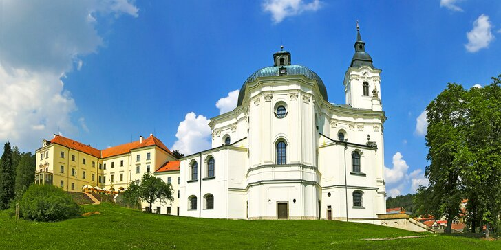 Pobyt na zámku v Moravskom krase: raňajky a 3-chodové večere vr. zveriny