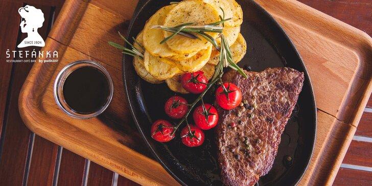 250g Milánsky steak s prílohou a slepačou polievkou v Štefánke by Pulitzer