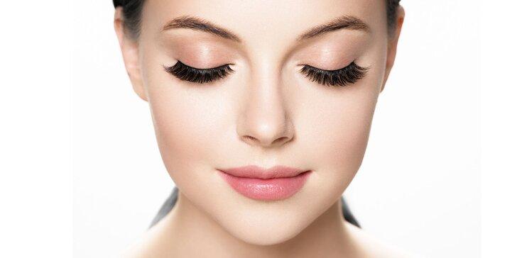 Dokonalý pohľad vďaka mihalniciam aplikovanými v Beauty Bare