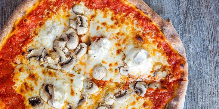 Pizza pečená na dreve alebo čerstvý šalát