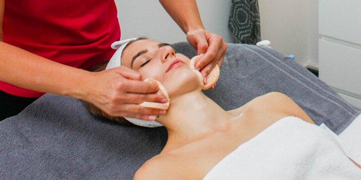 Komplexné hĺbkové ošetrenie pleti aj s masážou a úpravou obočia