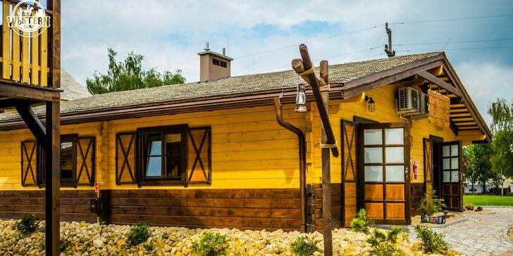 Westernové ubytovanie v typických prériových domčekoch v poľskom Western Campe