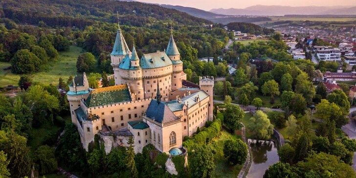 Novopostavený penzión Meridiana v Bojniciach: vstup do zámku alebo bazéna
