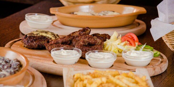 Balkánska hovädzia doska, burger s pleskavicou alebo čevapčiči