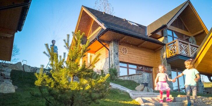 Oddych pre celú rodinu či partiu v domčekoch v Tatranskej záhrade s čarovným výhľadom na Tatry