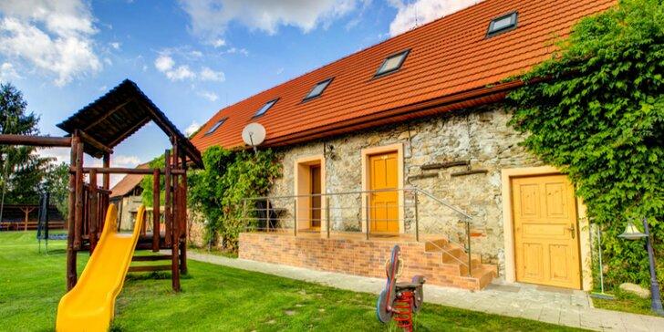 Pokojný pobyt na Liptove pre páry alebo rodiny s deťmi s mini wellness a záhradou na relax