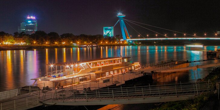 3-chodová večera s plavbou po Dunaji pre 2 osoby