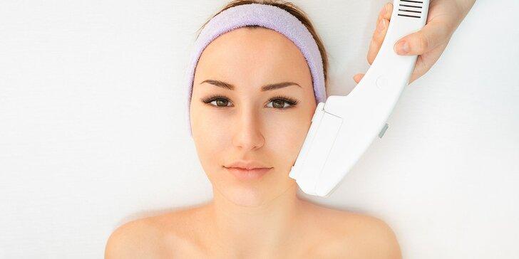 Hydratačné ošetrenie pleti, fototerapia alebo lashlifting