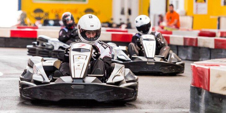 Jazda na motokárach pre 6 až 8 osôb v Kart One Arene v Petržalke
