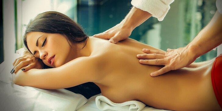 Tantrická masáž pre ženy s perličkovým kúpeľom
