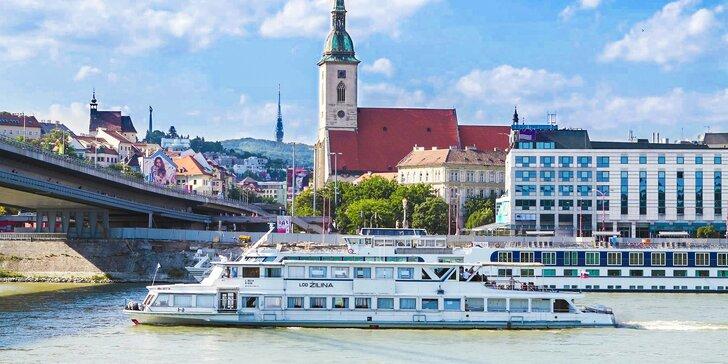 3-chodová Gastro špeciál večera s plavbou po Dunaji pre 2 osoby
